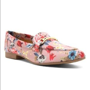 Floral pink shoes 🌷